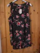 New with Tags - Lovely Floral Summer Top - Size 14