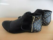 LADIES STUDDED ANKLE BOOTS SIDE ZIP SIZE 7 BLACK