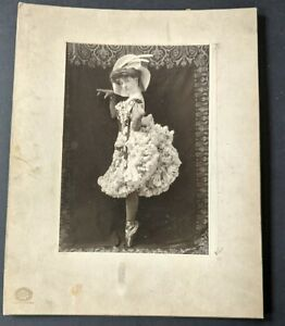 1905 La Belle Daisie RF Outcault Buster Brown Broadway Oversized Mounted Photo