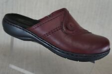 Women's Clarks  Bendable Red  Leather Round Toes Shoes Sandals  Size US  7 M