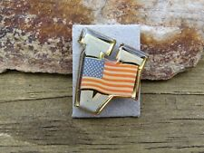 RARE US MILITARY USA FLAG WITH V FOR VICTORY LAPEL PIN IN EXCELLENT CONDITION