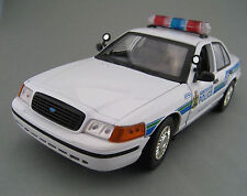 Ford Crown Victoria interceptor * Abbotsford Police * * 1:18 * embalaje original * nuevo