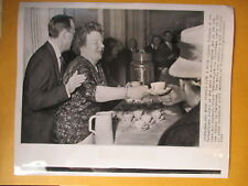 QUEEN JULIANA of the NETHERLANDS and PRINCE BERNHARD PRESS PHOTO 1961