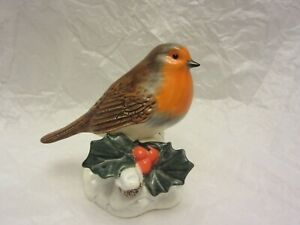 "Signed JOHN BESWICK Christmas Robin Bird Figure w/ Holly Leaf 3 3/4"" Tall"