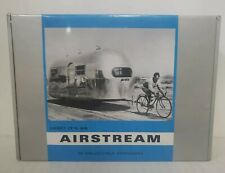 LOOK IT'S AN AIRSTREAM 40 COLLECTIBLE POSTCARDS NEW IN BOX