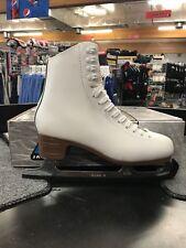 Jackson Mystique Figure Skates