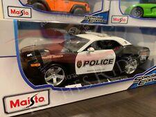 Maisto 1:18 Scale Diecast Model Car - 2006 Dodge Challenger Concept (Police)
