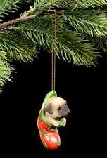 Christbaum Schmuck Hund - Mops im Strumpf - Weihnachten Deko Welpe Kugel