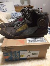 OTBT Womens Size 11 Low Boots. NIB. Felt, Leather & Rubber.