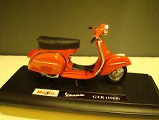 Vespa GTR 1968 Red 1:18 Maisto
