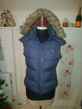 JACK WILLS NAVY QUILTED GILET WITH DETACHABLE FAUX FUR HOOD - SIZE 10