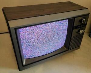 "GE 1985 13"" CRT TV 13BC5504W Woodgrain Retro Gaming Vintage Television Portable"