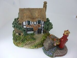 Vintage model house (13cms x 13cms approx) & Postbox (8cms approx) VAT included
