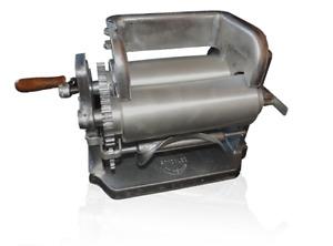 Made in Mexico Gonzalez Manual Flower/Corn Aluminum Tortilla Maker Roller Press