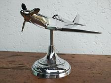 Avion Spitfire en aluminium poli sur socle gravé, déco de bureau collection