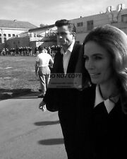 JOHNNY CASH AND JUNE CARTER WALKING AT FOLSOM PRISON - 8X10  PHOTO (DD-128)
