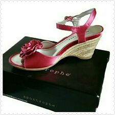Pink Apostrophe sandals w/ wedge heels Size 9.5