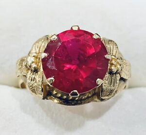 10k Yellow Gold Ruby Ring Band Size 8