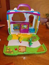 Barney and Friends Carrying Case Barn House Play Set EUC