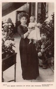 POSTCARD ROYALTY - SPAIN - QUEEN VICTORIA AND PRINCESS BEATRICE