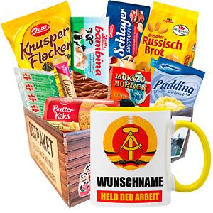 Ostpaket mit Namenstasse Held der Arbeit Geschenk Idee Set DDR Ostprodukte Gelb