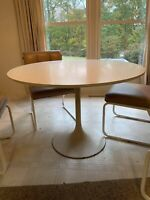 Mid-Century Modern Table and 4 Chairs