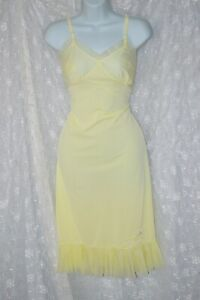 VTG Cream Crystal Pleated Chiffon Nylon Full Slip Petticoat 32 34 S