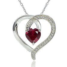 Halsketten aus Edelsteinen mit Rubin-Hauptstein und Herz-Schliffform