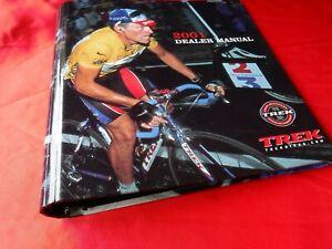 """2001 Trek Dealer Manual 3 Ring Binder Nike Lance Armstrong catalog 1.1/2"""" thick"""