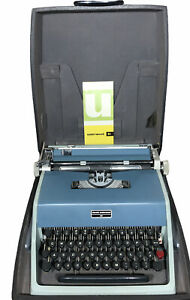 Nice Vintage 1960's Olivetti Underwood 21 Portable Typewriter and Case Spain