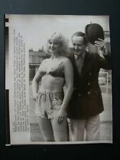 "Mandy Rice-Davis ""Dirty Linen"" play- Original 1981 Wire Press Photo 9 x 7"" 6"