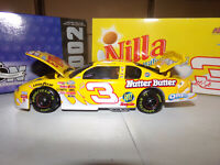 1/24 DALE EARNHARDT JR #3 NILLA WAFERS BWB 2002 ACTION NASCAR DIECAST