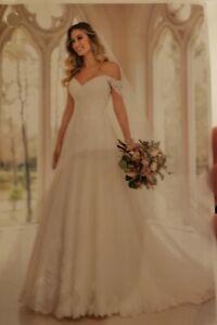 UNALTERED Stella York Organic Leaf Ivory Wedding Dress Size 26 Lace & Tulle