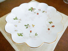 "Wedgwood WILD STRAWBERRY 9"" Round Scalloped Serving Bowl Dish Tray RARE - NEW!"