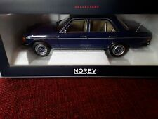 Mercedes - Benz 200 * 1982 blau * 1:18  Norev 183710