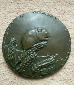 WILD GOOSE STUDIO - Harvest Mouse Country Scenes - Cold Cast Wall Plaque - 14cm