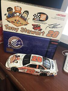 1/24 TONY STEWART #20 HOME DEPOT / KIDS WORKSHOP 2000 ACTION NASCAR DIECAST