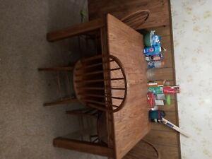 soild oak family kitchen table 5 oak chairs extra leaf excellent condition