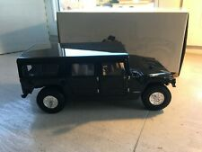 hummer H1 civil wagon black Exoto 1:18