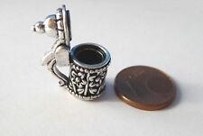 2x Bierkrug Maßkrug mit aufklappbarem Deckel Metall Puppenstube Miniatur 1:12