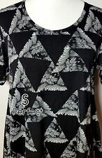 NWT Lularoe Size Small Elegant Black White Geometric Women's Perfect T Shirt Top