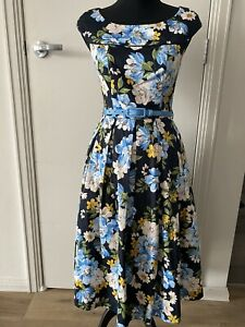 Review Dress Size 6 Excellent Condition Isabella Prom Dress Floral With Pockets