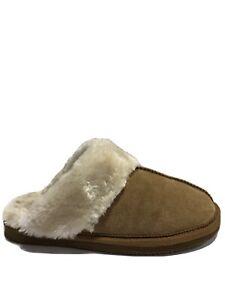 Minnetonka Women's Chesney, Brown Suede Slippers, Size 8M.