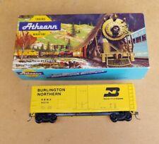 CON-COR HO BN BURLINGTON NORTHERN PS-1 PLUG DOOR BOXCAR W/ KNUCKLE COUPLERS
