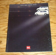 Original 1994 GMC Truck Vans Sales Brochure 94 Rally Safari