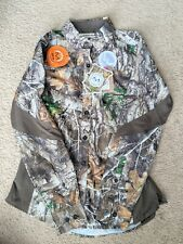 NEW women's Realtree Camouflage Top Size Small