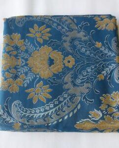 Scampolo tessuto damascato Fiori 280x280 cm. A864