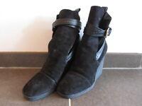 edle Stiefel von Luis Vuitton Größe 40 schwarz neu und ungetragen