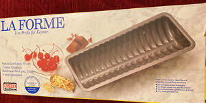 NEW Kaiser La Forme Half Round Loaf Pan 30 cm 12 inches Non-Stick