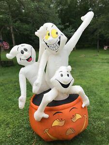 8' Gemmy Airblown Inflatable Light Up 3 Ghosts Pumpkin Jack O'Lantern Halloween
